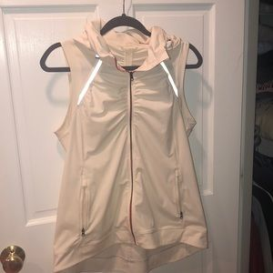 Lululemon off white running vest size 10